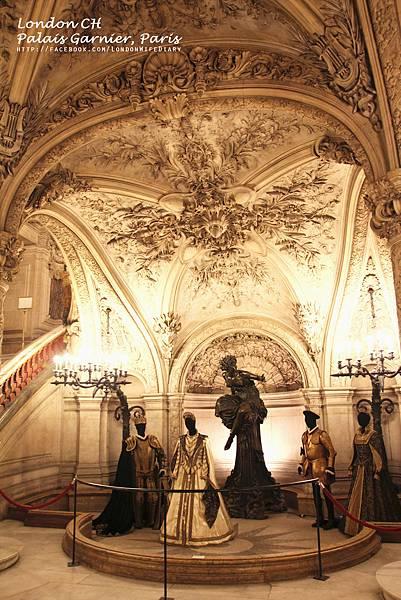 Palais-Garnier-01