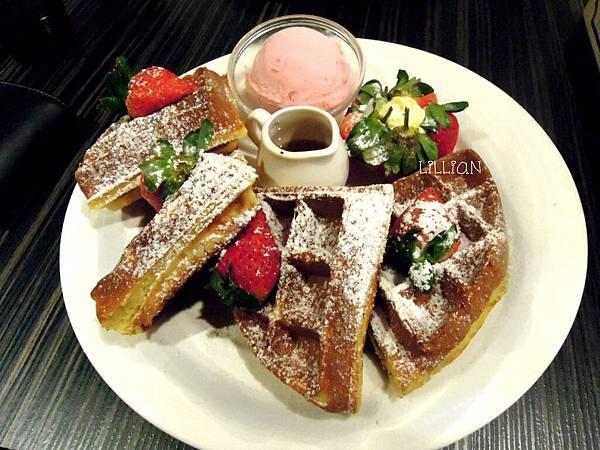 草莓蜜糖鬆餅