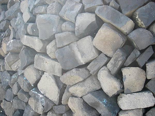 就地取材的石牆