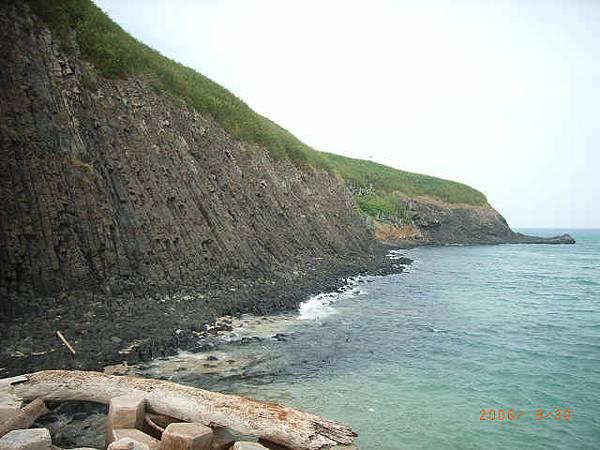 員貝東南的柱狀玄武岩