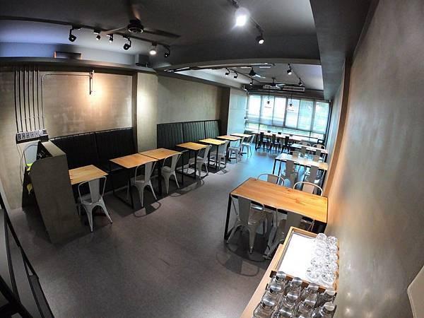 【食記】高雄前鎮-超人氣早午餐店。TOO手作烘培餐廳│五互龍海