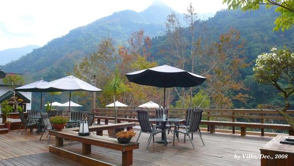 P1090155-會館前桌椅.JPG