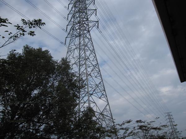 同一支電塔