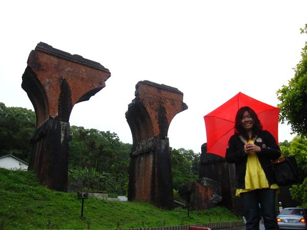 小紅傘跟斷橋