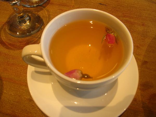小氣的熱花茶