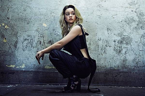 bea-miller-2015-james-minchin-billboard-650.jpg
