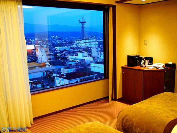 9房間觀景窗.jpg
