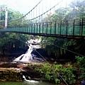 24十分觀瀑吊橋眼鏡洞.jpg