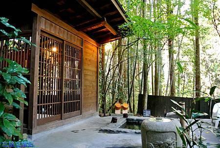 50二本葦束竹林風呂.jpg