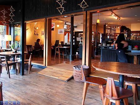 15金麟湖畔Cafe La Ruche內部-1.jpg