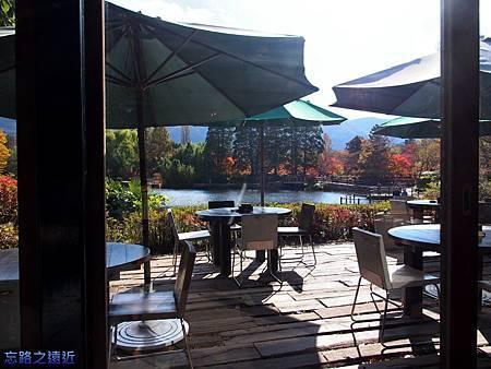 16金麟湖畔Cafe La Ruche內部-2.jpg