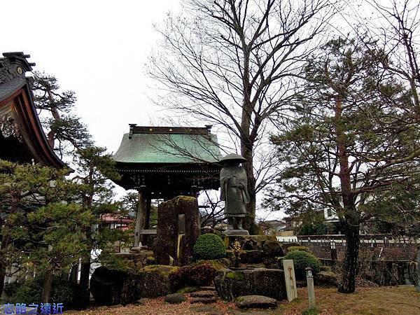 7本光寺庭園.jpg