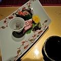 34八ツ三館生魚片