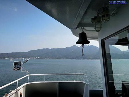 1往宮島JR船上.jpg