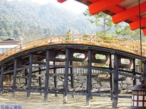 14嚴島神社拱橋.jpg