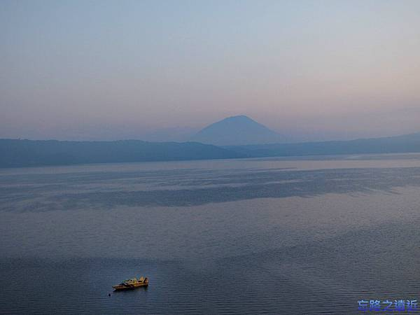 洞爺湖花景色清晨-2.jpg