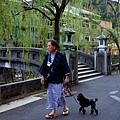 23城崎溫泉街景-遛狗.jpg