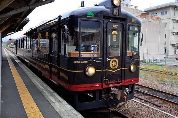 2近畿丹後鐵道列黑松-1.jpg