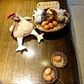 38餐廳雞蛋擺飾.jpg