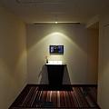 9龍名館住宿區出電梯口-2.jpg