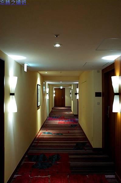 10龍名館房間走廊.jpg