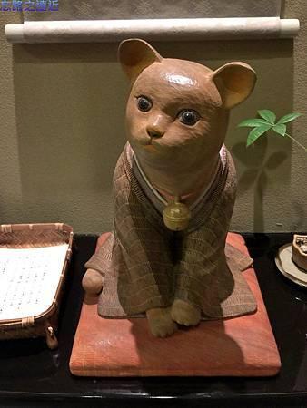 11渡月莊金龍宙電梯口雕像福貓-2.jpg
