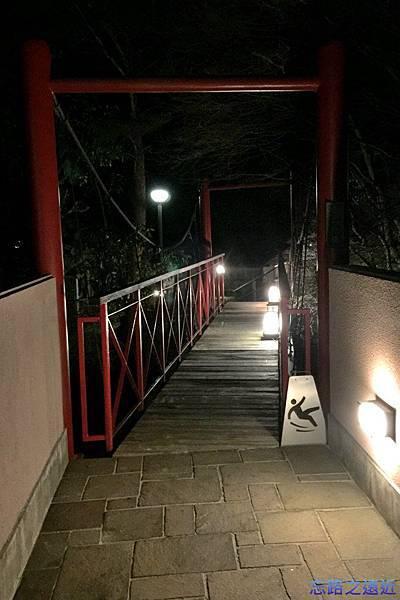34渡月莊金龍宙季想之湯入口.jpg