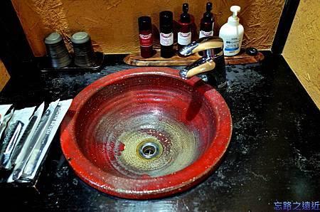 41枇杷客房橙盥洗台.jpg