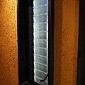 46枇杷客房橙洗手間窗戶.jpg