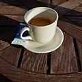 52枇杷客房橙陽台咖啡.jpg