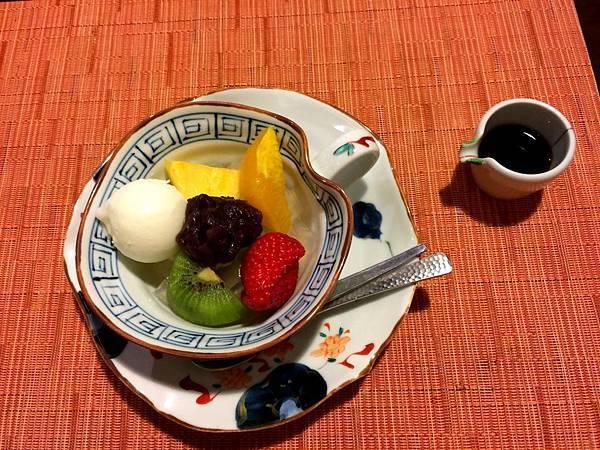 97枇杷晚餐水果