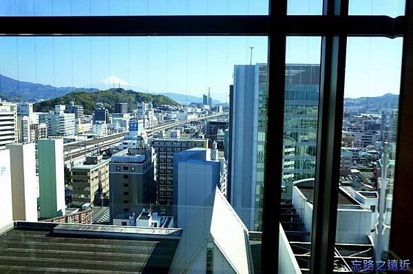 7靜岡世紀酒店電梯內.jpg