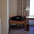 9靜岡世紀酒店房間入口.jpg
