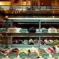 24靜岡世紀酒店table蛋糕櫃.jpg