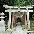 33東福寺五社成就宮入口.jpg
