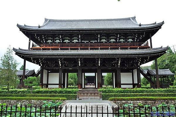 35東福寺三門-2.jpg