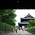 39東福寺日下門望本堂.jpg