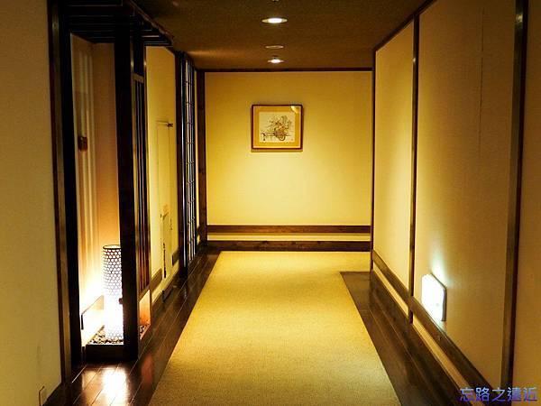11定山溪ふる川房間走廊.jpg