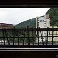 19定山溪ふる川房間客廳窗戶.jpg