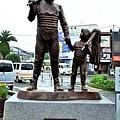 10新宮站前灯祭雕像.jpg