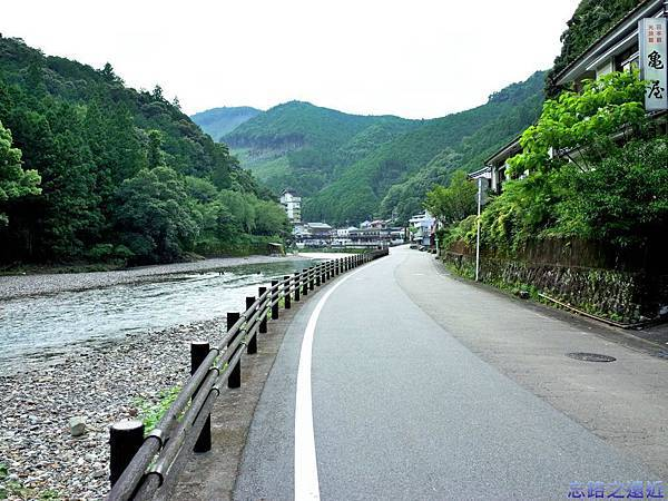 25川湯溫泉道路-1.jpg