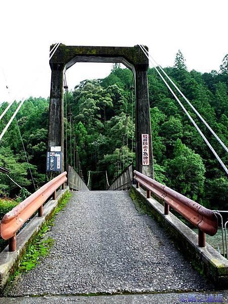 32川湯溫泉大塔川吊橋前.jpg