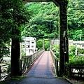 35川湯溫泉大塔川吊橋底.jpg