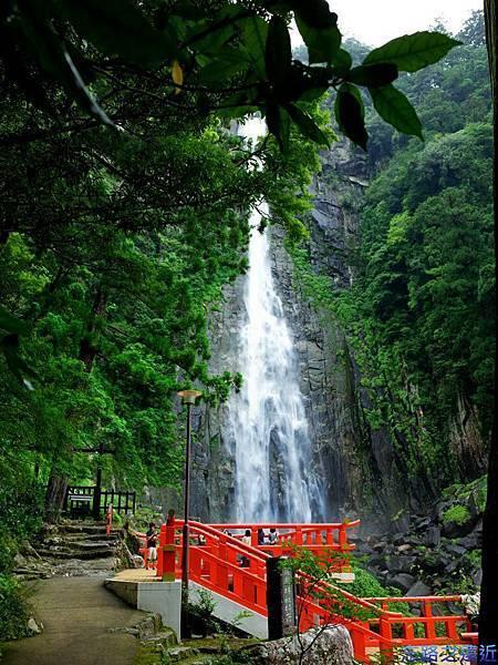 16飛瀧神社拜所.jpg