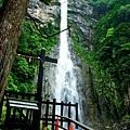19飛瀧神社拜所觀景台2.jpg
