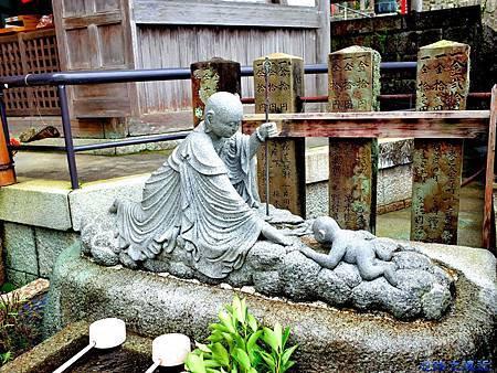 26青岸渡寺水子堂石像.jpg