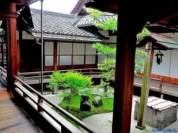 3兩足院前庭園-1.jpg