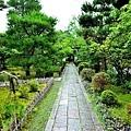 31清涼寺阿彌陀堂前庭園