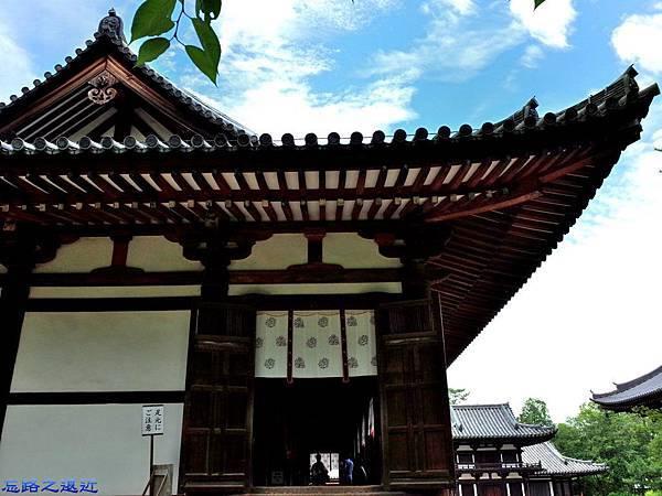 12唐招提寺講堂側面.jpg