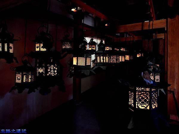 12春日大社室內燈籠展示-1.jpg